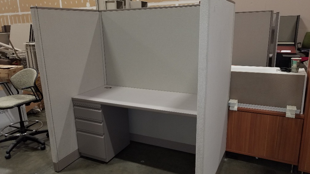 Smaller Workstation, 5' x 3' – Call for pricing